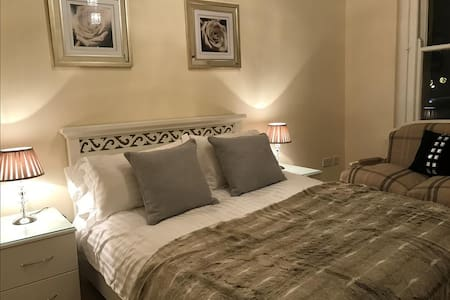 AMAZING BEACH APARTMENT SLEEPS 4*** - Southport - Apartamento
