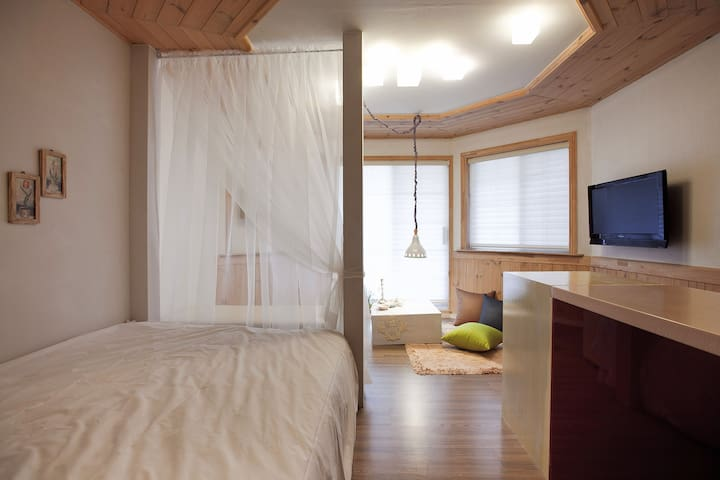 Bomunworld (w1-Standard double bed)
