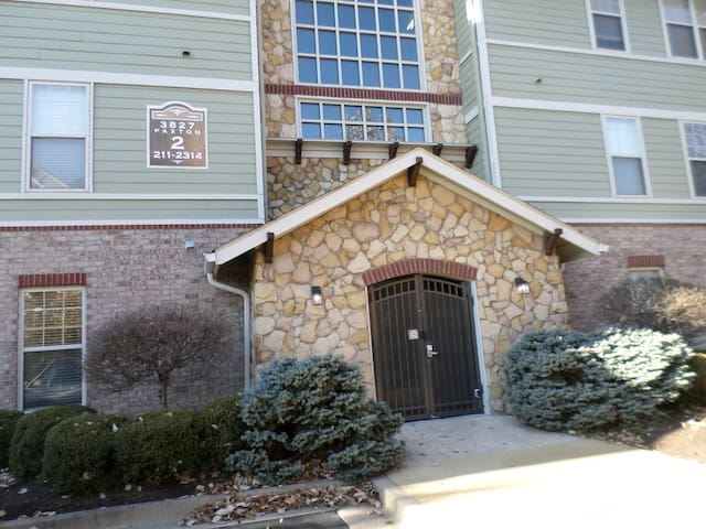 Clean and comfortable 1 bedroom Oakley/Hyde Park
