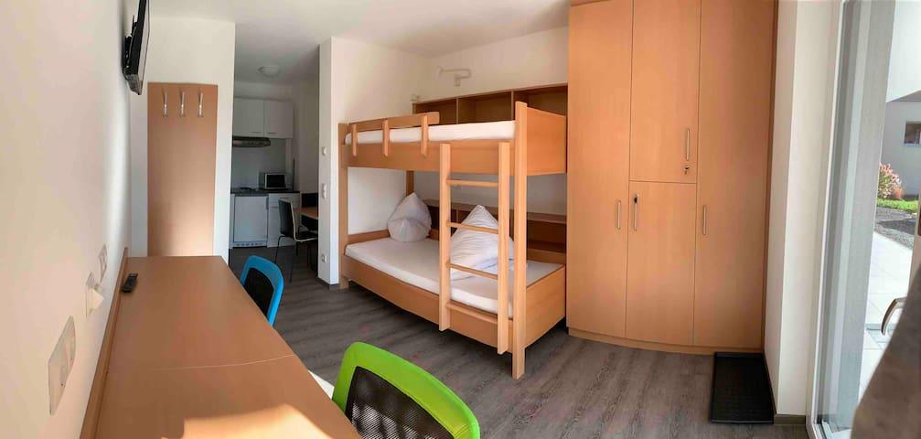 2) Imst, zentrale und sonnige Ein- Zimmer-Wohnung