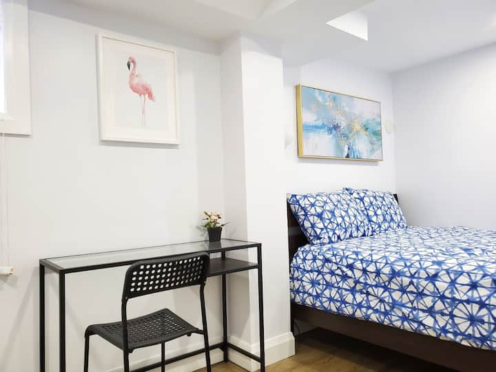 BB3-Newly renovated and cozy room near subway