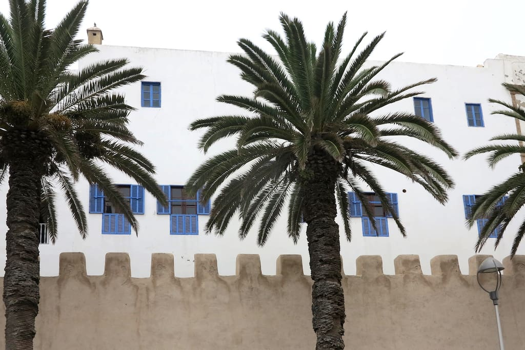 This is the outside fassade, typical colours of Essaouira
