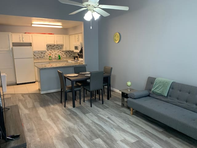 Peaceful and quiet condo in southwest Houston