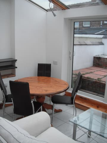 Unique, light, beautifully presented 2 bed house