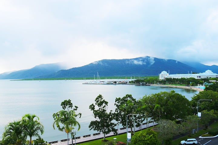 Cairns Aquarius Holiday Apartments Apt 44