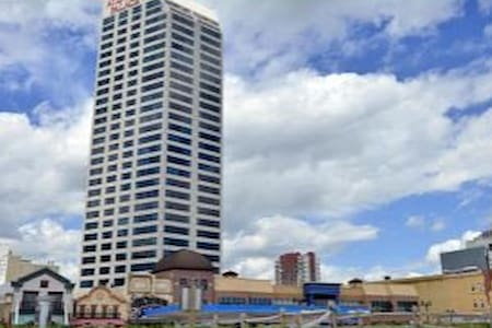 ATLANTIC PALACE SUITES CONDOMINIUM - Atlantic City - Condomínio