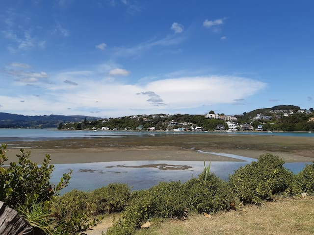 Dolly Varden Cottage backs onto Pauatahanui Inlet