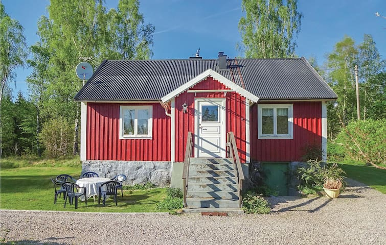 Holiday cottage with 3 bedrooms on 95m² in Hallabro