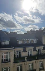 Bel appartement de charme avec vue sur Tour Eiffel