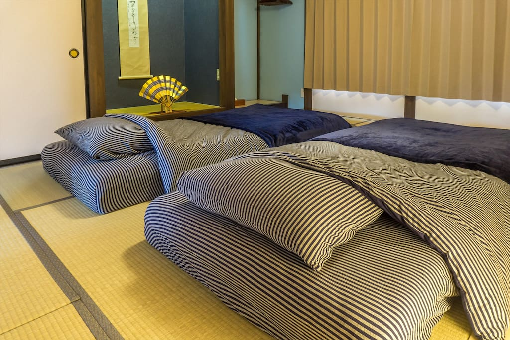 I really care about your sleep. I prepared soft, comfortable Futon that has 20 cm of thickness.