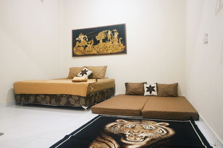 Omah Uqieta Homestay - Private Space