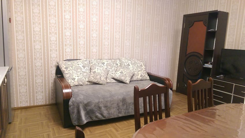 Сдам 2 х комнатную квартиру в совхоз России - Rossiya - Apartamento