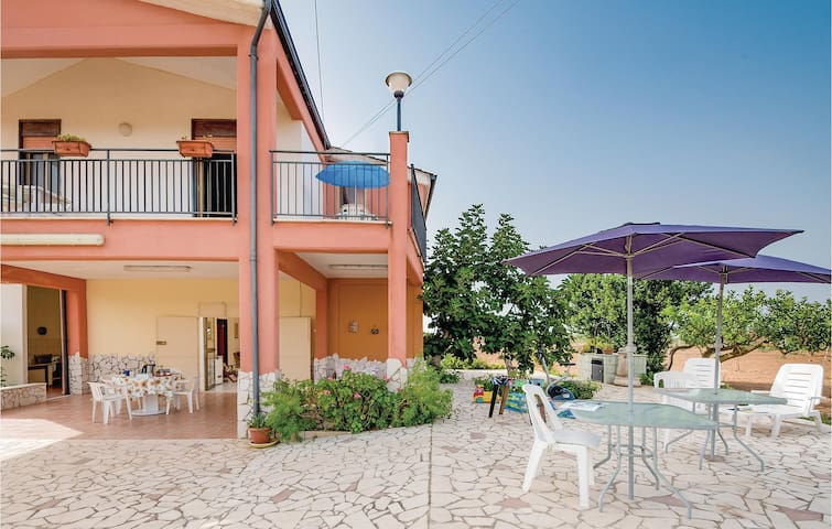 Holiday cottage with 4 bedrooms on 150 m² in Partinico PA
