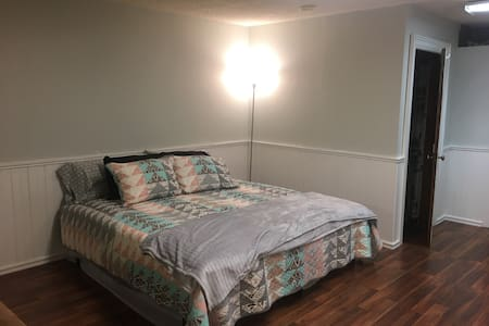 Cozy studio apartment - Cheney - Daire