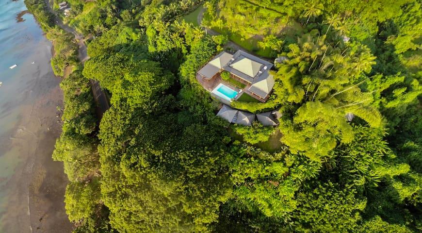 Enjoy a Private Escape in Luxurious Tavola Villa