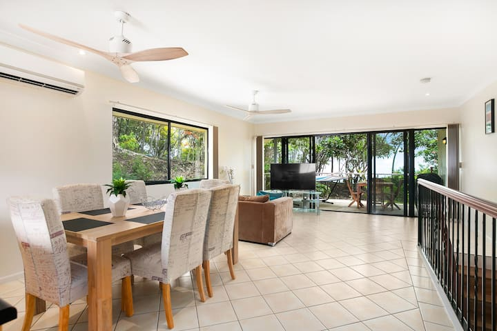 Trinity Townhouse - Luxury in a great location - Trinity Beach - Townhouse