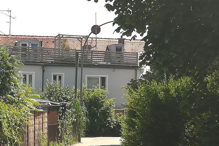 dolce vita guesthouse: Oase mitten in der Stadt