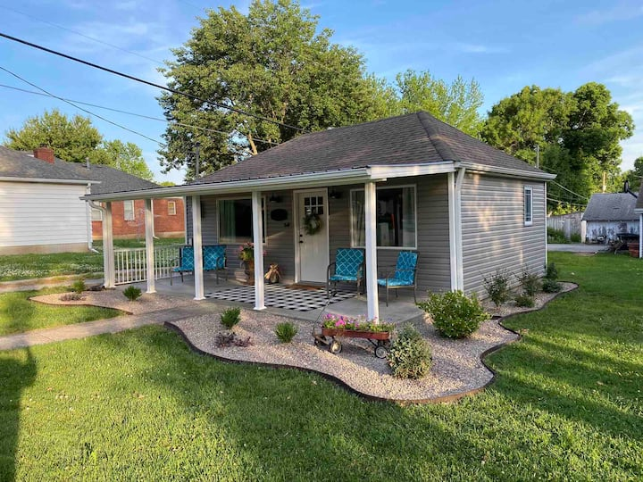 Newly Remodeled 2 BR Private Home w/ King Bed