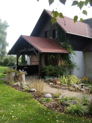 Apartmány v rodinném domě s velkou zahradou