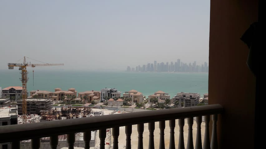 Flat to Share with a view (limited time only) - Doha - Leilighet
