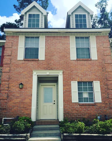 Cute and Clean Townhome with everything you need - Conroe - Maison
