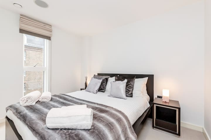 Professionally cleaned Chelsea 1 bed apartment