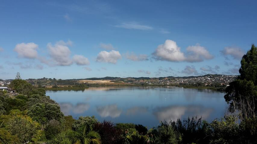 Pohutukawa Paradise - Red Beach - House