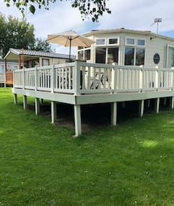 Specious 2 bed caravan on Haven holiday village.