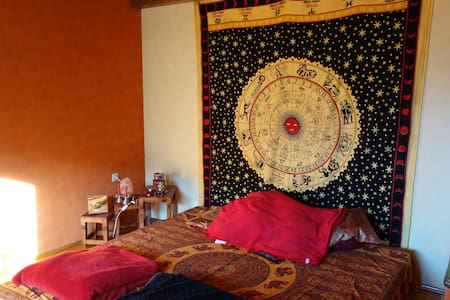 Schönes Doppelbett - Gerolsbach