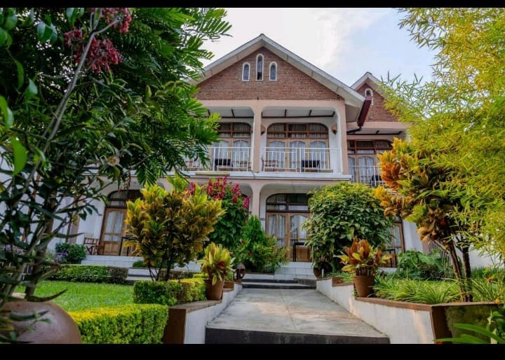 Entire House with Separate rooms(UBUMWE HOTEL)