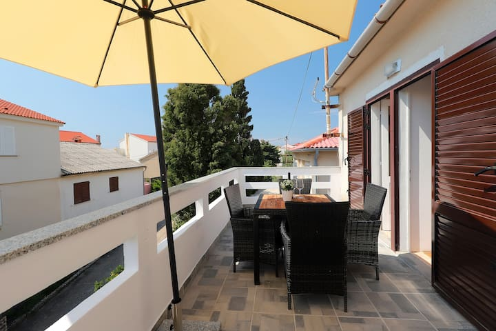 Apartment  CENTER Best Location in Novalja