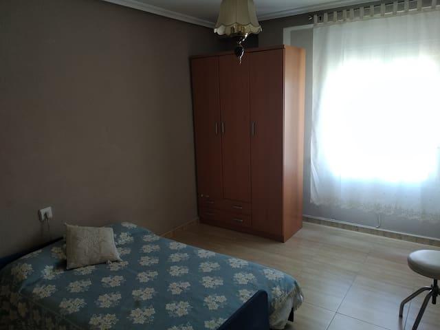 Dormitorio-room