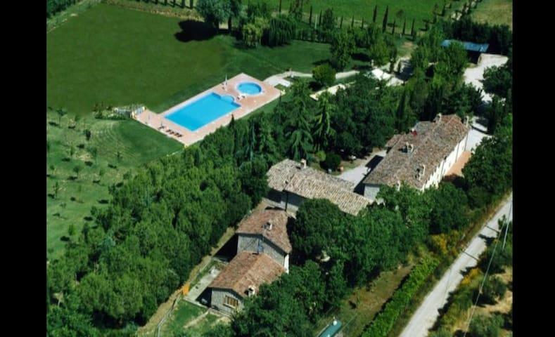 Taggiasca house, in the hills 5km far Perugia
