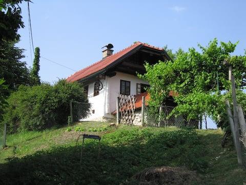 Panoramatický dom v hornej časti kopca, 360 stupňový výhľad