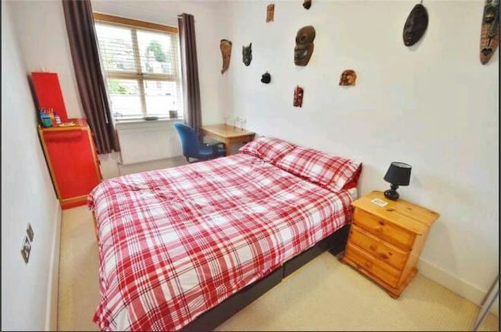 Double Room and Own Bathroom near Stansted Airport