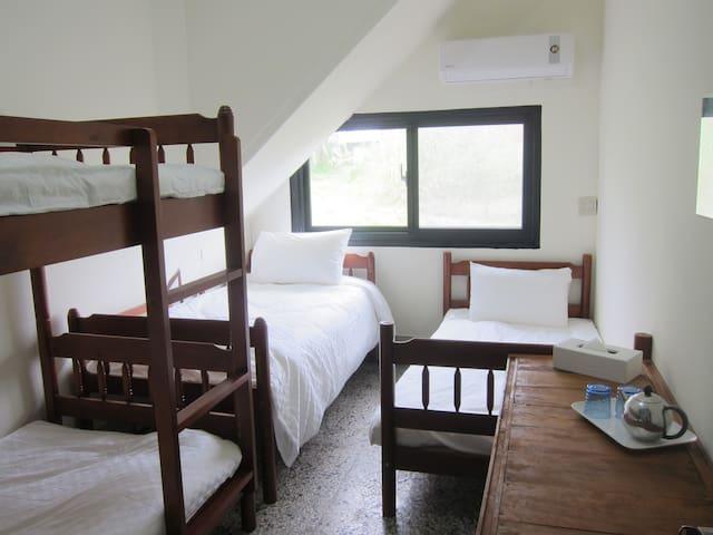 Runners' House Taitung-4 Beds Dorm