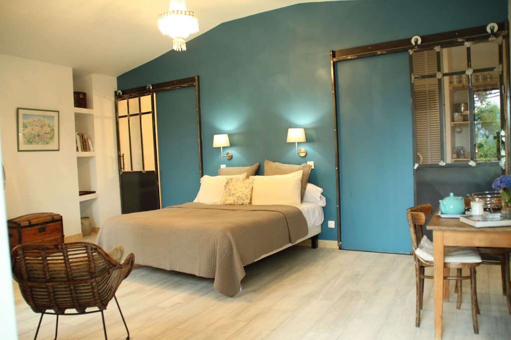 chambres d 39 h tes ard che sud bed breakfasts for rent in chirols rhone alpes france. Black Bedroom Furniture Sets. Home Design Ideas