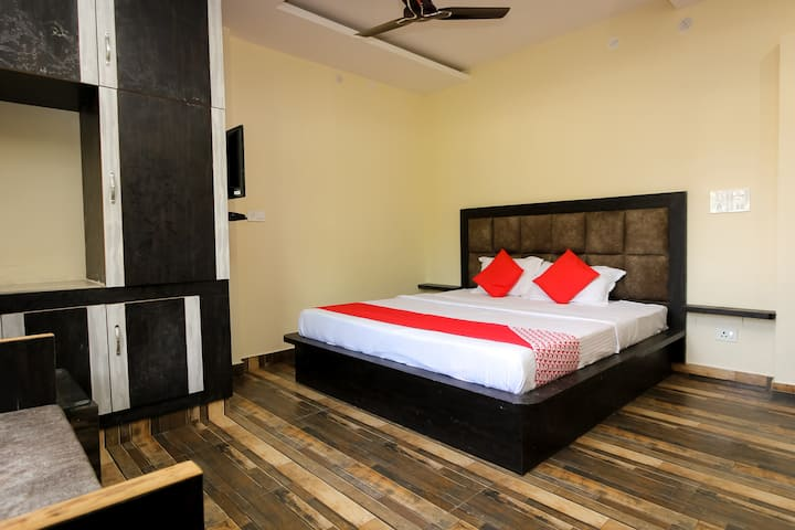 OYO Classic  SMART Furnished Room in Dharamshala