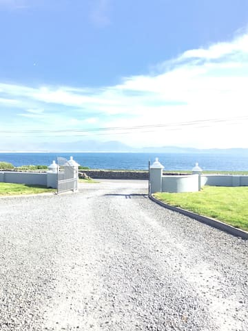 Ballyheigue detached apartment