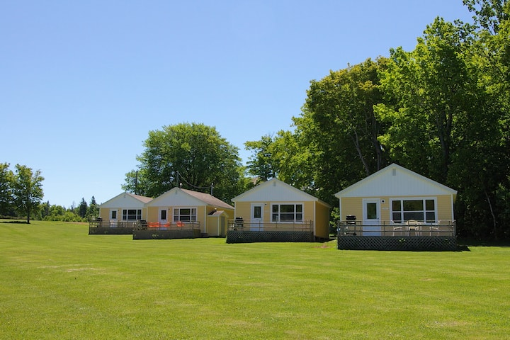 Wingspread Cottages - a relaxing country vacation