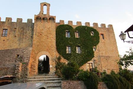 """Appartamento """"La Volta"""", Castello di Cisterna - Gualdo Cattaneo - Byt"""