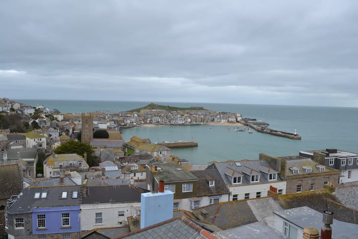 The Stones, Dogfriendly St.Ives Apartment +parking