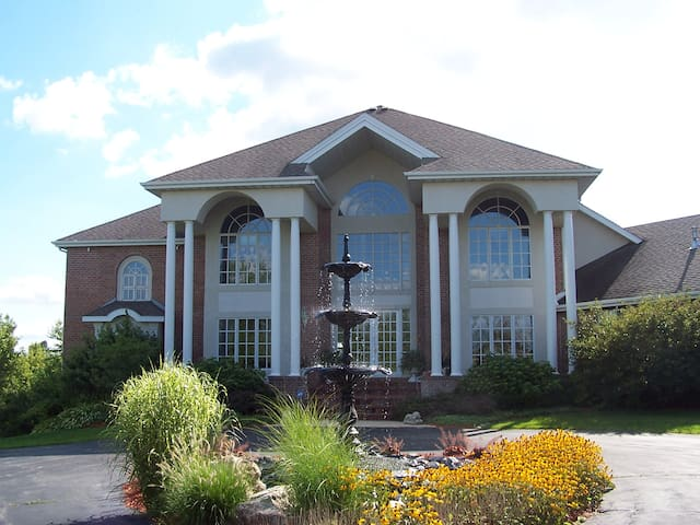 Luxury home in Rockford