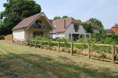 New built private annex in Lower Shiplake village
