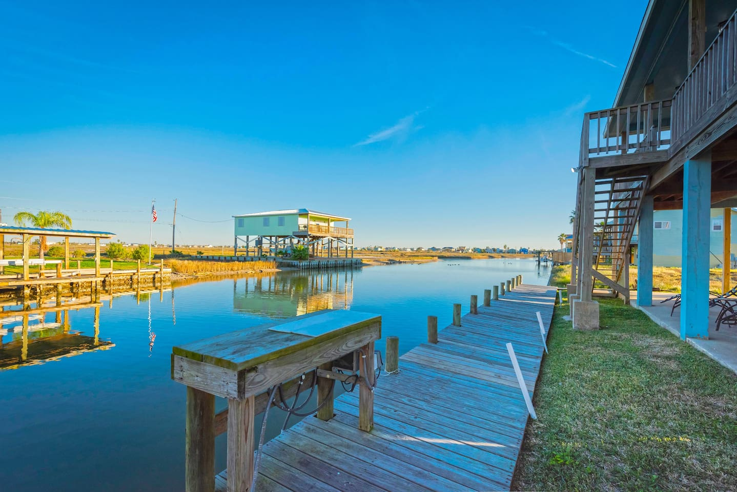 Beautiful canal views and great fishing from the dock