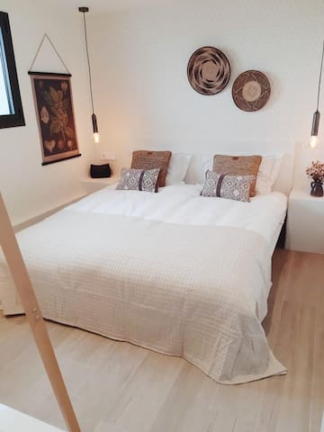 Bedroom 3 / Bed size 180 * 200