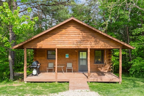 Pet Friendly Only 1/2 mile from Old Man's Cave - Deer Run