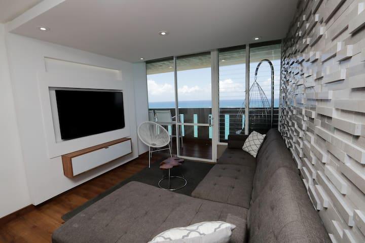 Luxurious oceanview beachfront apartment