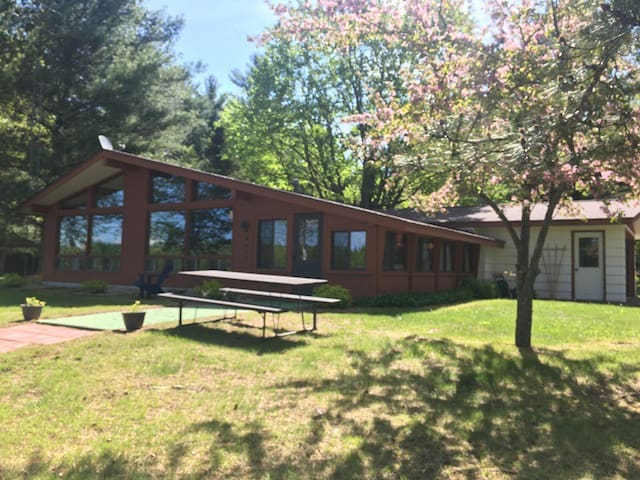 Memory Lane Cottages - Cabin # 1 - Loon Lodge