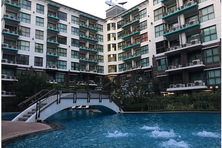 1BR, Swimming Pool View, 5th FL. - Pak Kret
